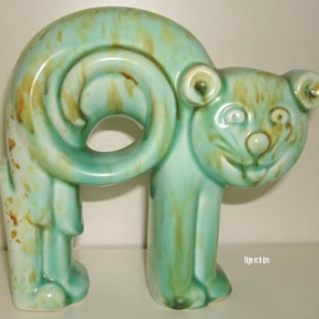 Green Art Deco pottery cat