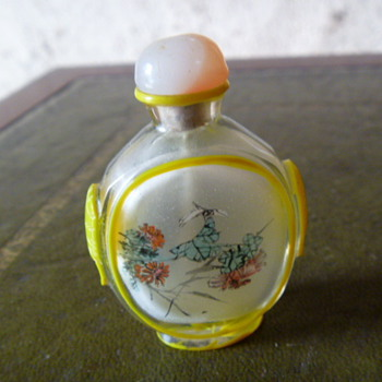 My friends collection of Chines snuff Bottles - Bottles