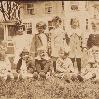 Kids 1905 - Photographs