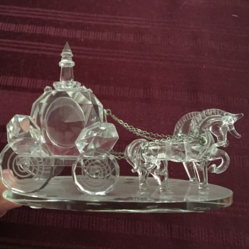 Shannon crystal horse and carriage