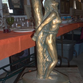 unique lady statue lamp