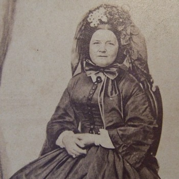 CDV photograph of Mary Todd Lincoln