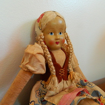 Cloth Doll from the Netherlands ?