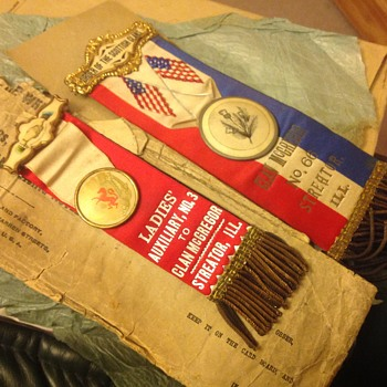 Why did my great grandparents wear these?  - Medals Pins and Badges