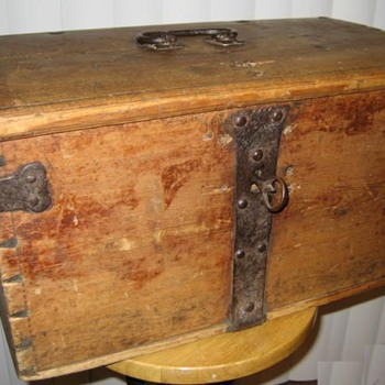 Viking Chest - Furniture