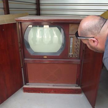 Dumont television 50's?