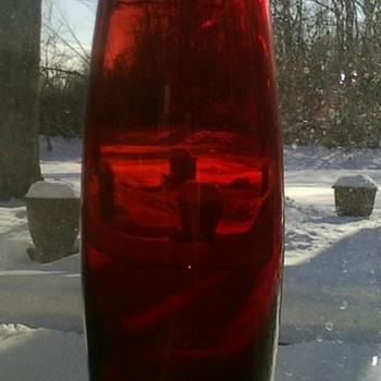 Aseda Red Vase