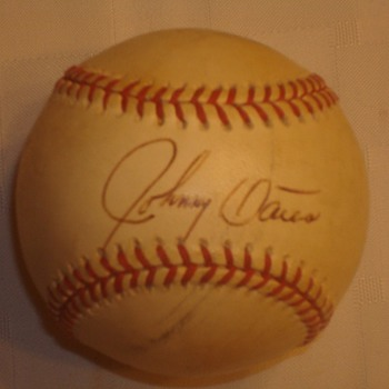 Johnny Oates Signed Ball