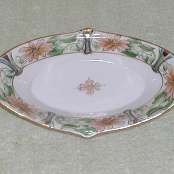 Noritake Hand-painted pickle dish
