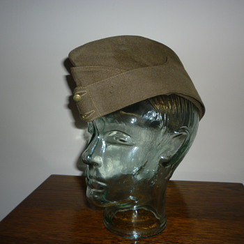 British Army WWII side cap. - Military and Wartime