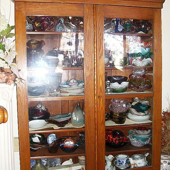 China Cabinet ---- MORE PICS ( 2 OF 2 )
