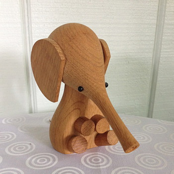 Laurids Lønborg Elephant