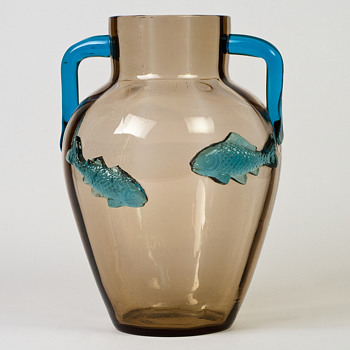 Harrach fish vase - Art Glass