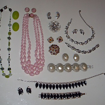 Recent sets. - Costume Jewelry