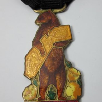 1915 Panama Pacific International Exposition Golden Bear Enamel Fob