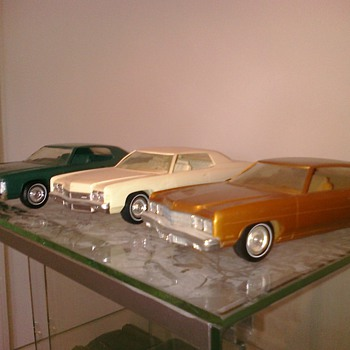 Impalas.... Americas most driven car.  Love the styling of the early Cadillac inspired 70;s cars...