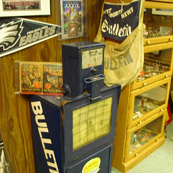 Philadelphia Bulletin Paper dispenser box - Coin Operated