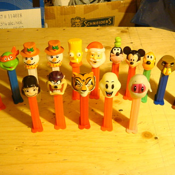 pez dispensers - Toys