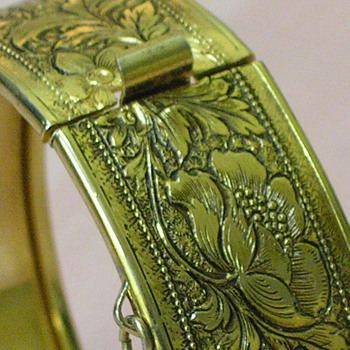 Stunningly detailed Clasp Gold Toned Bangle - Fine Jewelry