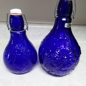 ROSENTHAL NETTER GLASS BOTTLES