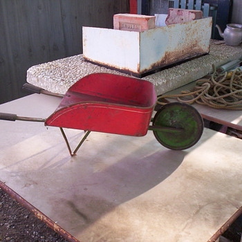 Toy wheel barrow - Toys