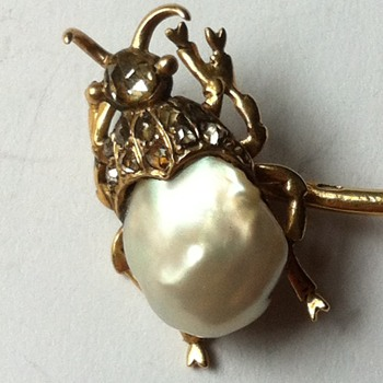 Pearl gold beetle stick pin. - Fine Jewelry