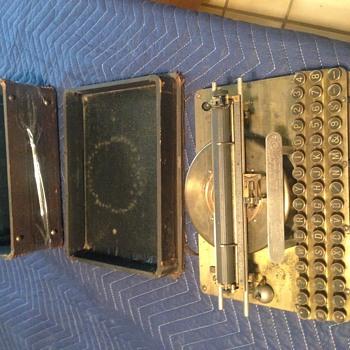Super Rare 1887 Hamilton Automatic Typewriter  - Office
