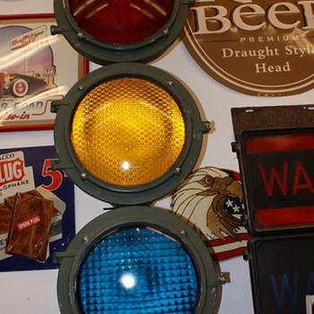 Econolite traffic signal