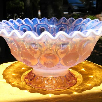 Pink Opalescent Moon &Star footed Bowl - Glassware