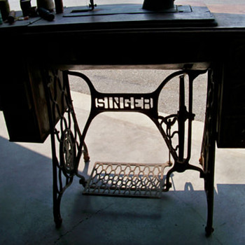 Singer Sewing Machine #314874