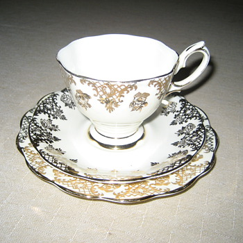 Royal Albert Crown China - China and Dinnerware