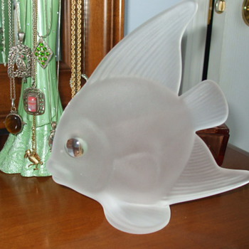 Another VANNES-le-chatel SUNFISH Figurine - Art Glass