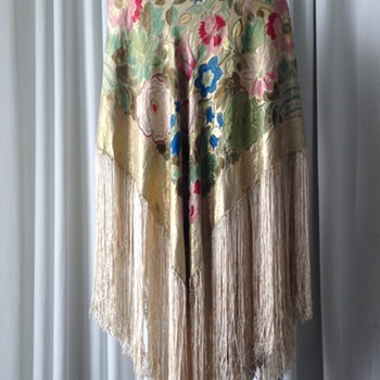 Antique silk shawl with fringes