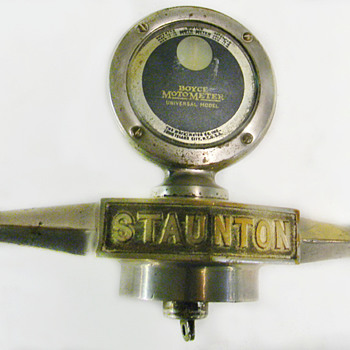 Circa 1925,  Staunton Dog Bone With Motometer - Art Deco