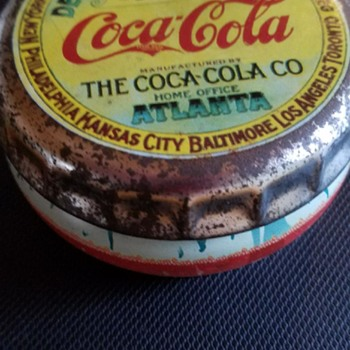 COCA COLA TIN SHAPED LIKE BOTTLE CAP