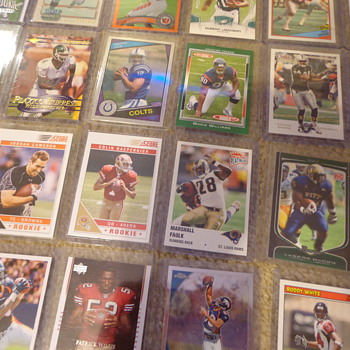 Awesome Lot of Football Cards