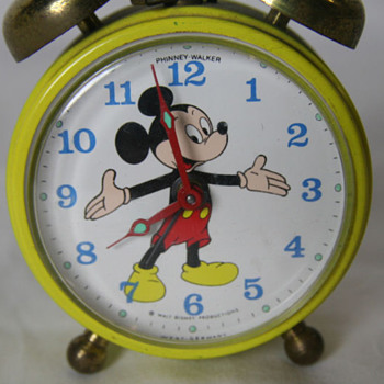 Phinney Walker Disney Alarm  part 2 - Clocks
