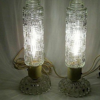 ART DECO -- Pair of Bedroom Lamps - Lamps