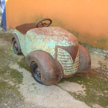 1937 Garton Ford pedal car, found in Monterrey, Mexico