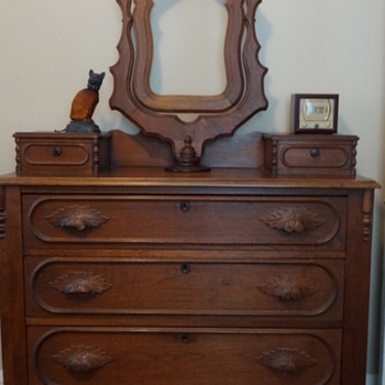 Dresser with Glovebox drawers