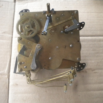 MYSTERY ANTIQUE VINTAGE GERMAN CHIMING CLOCK MOVEMENT