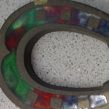 Horseshoe with beautifull colours. - Art Glass