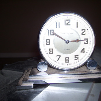 vintage waltham desk clock  - Clocks