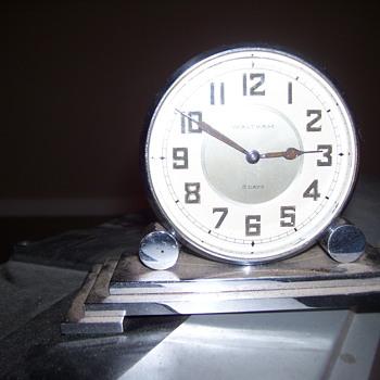 vintage waltham desk clock  - Clocks