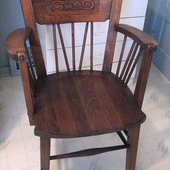 Mystery Chair???????  Arts and Craft Era? - Furniture