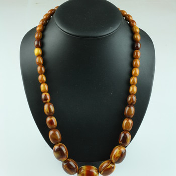 Missisippi Mud or hot chocolate bakelite necklace - Costume Jewelry