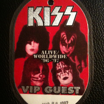 KISS VIP PASS - Music