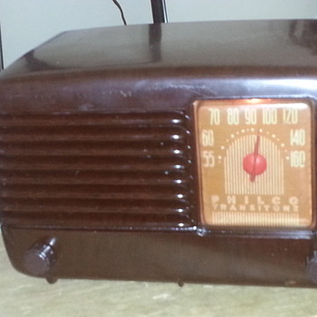 "Philco ""transitone"" 5 tube AM radio  - Radios"