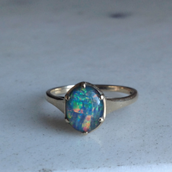 Antique 9CT Gold Opal Ring  - Fine Jewelry