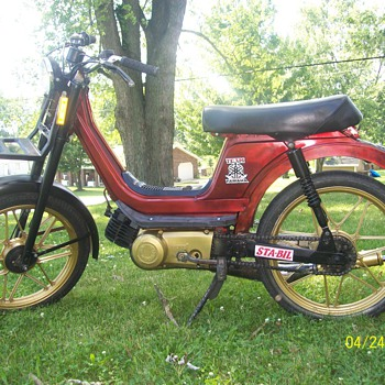 1982 SLE Derbi Moped  - Motorcycles